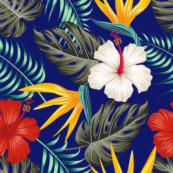Nahtloses blumenmuster mit tropischen blättern