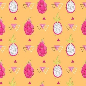 Nahtloses geometrisches muster mit drachenfrüchten, pitaya-hintergrund. handgezeichnete vektorillustration im aquarellstil für romantische sommerabdeckung, tropische tapete, vintage-textur