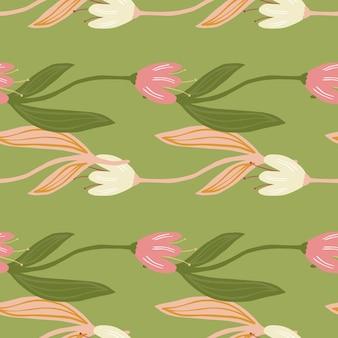 Nahtloses muster der schönen tulpenblume auf grünem hintergrund auch im corel abgehobenen betrag. botanisches design der wildblumen. dekorative florale ornamenttapete. für stoffdesign, textildruck, verpackung. retro-vektor-illustration