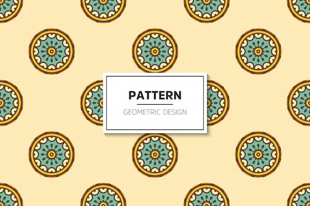 Nahtloses muster des luxuriösen dekorativen mandalas im goldfarbvektor