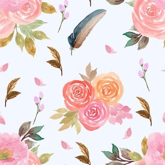 Nahtloses muster mit aquarellrosa rosen und feder