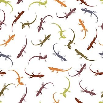 Nahtloses muster mit eidechsen. bunte silhouetten von reptilien auf hellem hintergrund. die umrisse der verschiedenen eidechsen. vektor-illustration.