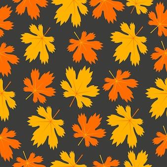 Nahtloses muster mit gelben und orangefarbenen ahornblättern im herbst