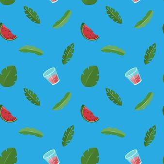 Nahtloses muster mit grünen blättern der wassermelone und frischem saft im glas