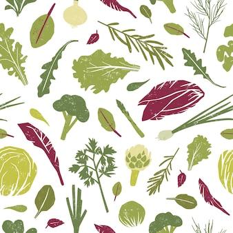 Nahtloses muster mit grünen pflanzen, leckerem gemüse und salatblättern.