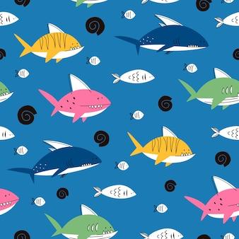 Nahtloses muster mit haien und fischen.