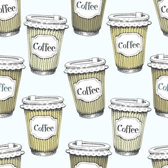 Nahtloses muster mit hand gezeichneten tasse kaffees zum mitnehmen