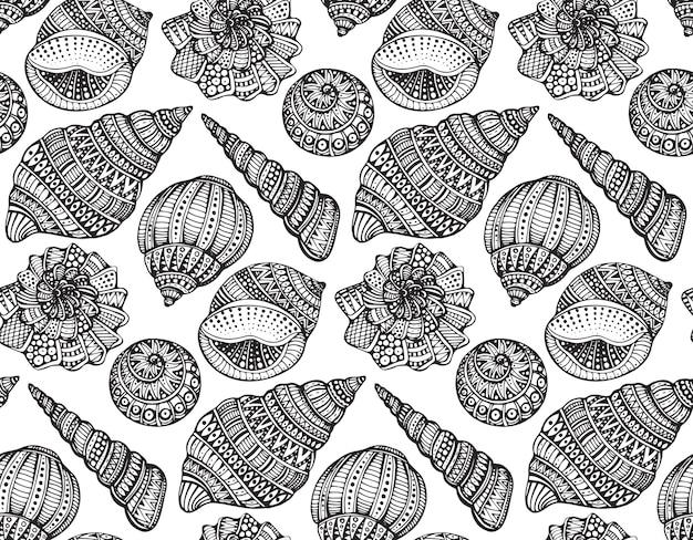 Nahtloses muster mit handgezeichneten verzierten muscheln. schwarz-weiß-marinemuster