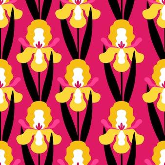 Nahtloses muster mit iris blüht auf rosa hintergrund.