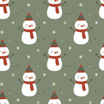 Nahtloses muster mit lustigen schneemännern auf einfacher karikaturart des grünen hintergrundes. vektor-illustration für weihnachten und neujahr. für stoff, geschenkpapier