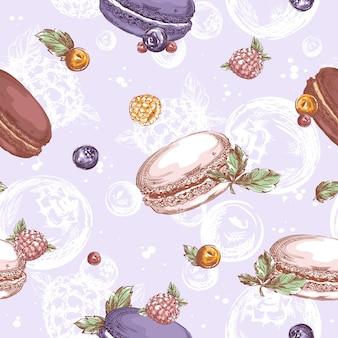 Nahtloses muster mit macarons, himbeeren, blaubeeren und anderen beeren. skizzierte handzeichnung von süßigkeiten