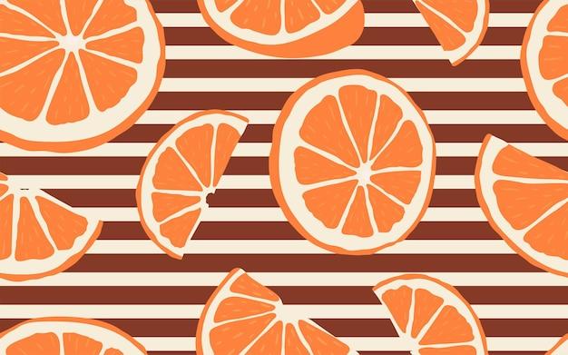 Nahtloses muster mit niederlassungen von slice-orangen auf geometrischen hintergrundstreifen. ein moderner heller wiederholter hintergrund mit zitrusfrüchten im flachen stil. vektorgrafik auf lager