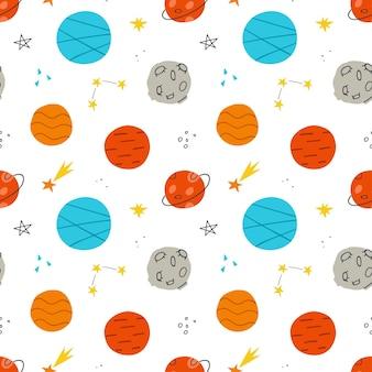 Nahtloses muster mit niedlichen planeten und sternen. hintergrund für packpapier, tapeten, kleidung. vektor-illustration.