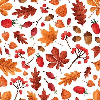 Nahtloses muster von herbstblättern und beeren. herbstsaison laub mit eicheln tapeten-design. rote aschenbeeren, kapstachelbeeren und dogrose-beeren. botanisches geschenkpapier, textildruck.