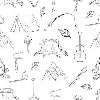 Nahtloses muster von wander-, camping- und reiseikonen mit gekritzelstil
