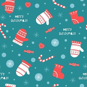 Nahtloses muster von weihnachten und neujahr mit niedlichen handschuhen, socken.