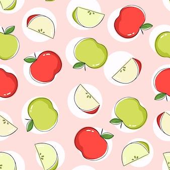 Nahtloses musterdesign mit roten und grünen äpfeln und apfelscheiben. wiederholen sie die fliese mit bunten früchten