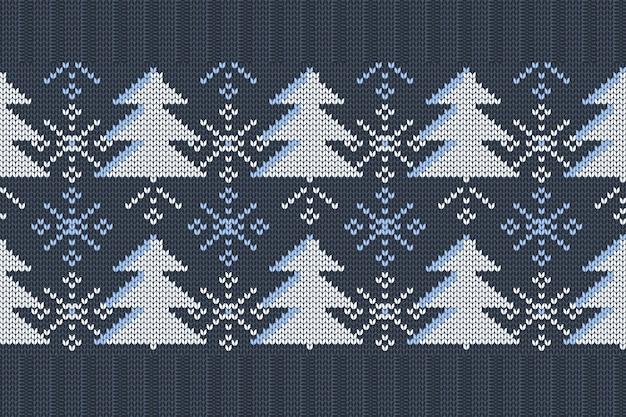 Nahtloses strickmuster von weihnachten, winterferien mit weihnachtsbäumen und schneeflocken.