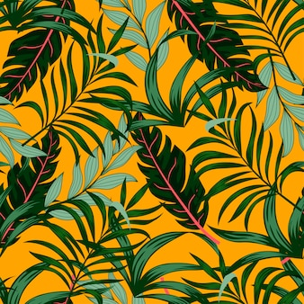 Nahtloses tropisches muster mit grünen pflanzen und blättern