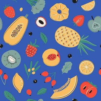 Nahtloses vektormuster mit zitrone, brokkoli, apfel, kiwi, papaya, erdbeere, schwarzer johannisbeere und anderem. vitamin-c-quellen, gesunde nahrung, obst-, gemüse- und beerensammlung auf blauem hintergrund.