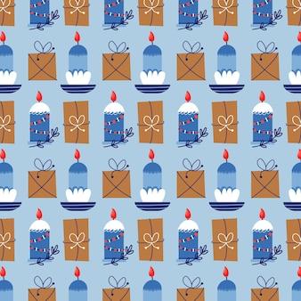 Nahtloses vektormuster von weihnachtskerzen und -geschenken. weihnachtsgeschenk blauer hintergrund