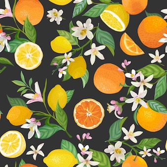 Nahtloses zitronen- und orangenmuster mit tropischen früchten, blättern, blumenhintergrund. handgezeichnete vektorillustration im aquarellstil für romantische sommerabdeckung, tropische tapete, vintage-textur