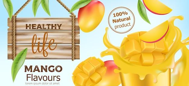 Natürliche ganze und geschnittene mango mit fließendem saft und einem holzschild in der nähe. produkt für ein gesundes leben. platz für text. realistisch