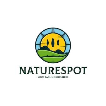 Natürliche grüne fleck-logo-schablone lokalisiert auf weiß