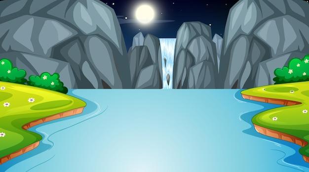 Naturwaldlandschaft bei nachtszene mit wasserfall