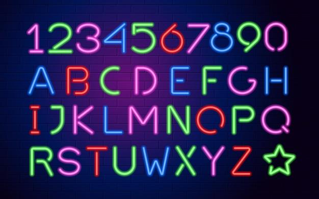 Neonfarben leuchtende großbuchstaben und zahlen