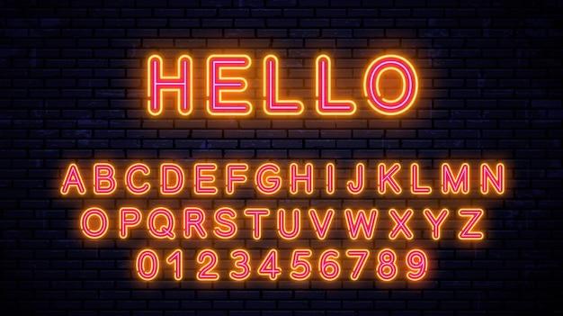 Neongelb-rote buchstaben und zahlen. trendy leuchtende schrift lokalisiert auf wandhintergrund. neon alphabet.