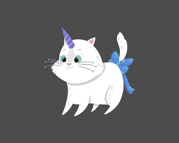Nette abbildung mit einer magischen weißen katze mit einem einhornhorn.