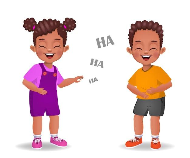 Nette afrikanische kinder, die zusammen lachen
