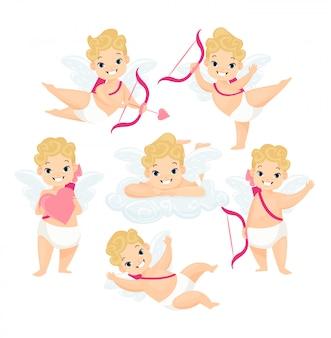 Nette baby cupids flache illustrationen gesetzt. amurs-zeichentrickfiguren mit flügeln und liebespfeilen lokalisiert auf weißer hintergrundsammlung. valentinstag dekoration design-elemente.
