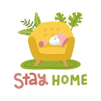 Nette flauschige katze, die auf gelbem sessel im skandinavischen stil schläft. wohnzimmer mit palmenpflanzen. bleiben sie zu hause konzept mit handschrift. flache illustration.