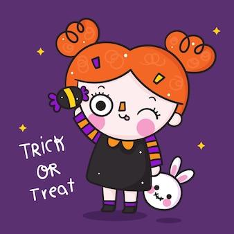 Nette halloween-mädchenkarikatur mit kawaii süßigkeit und kaninchenpuppenhand gezeichnet