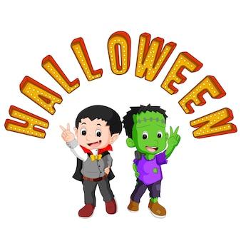 Nette kinder, die halloween-kostüme tragen