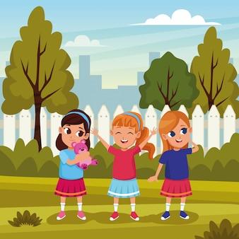 Nette kinder, die in den naturkarikaturen spielen