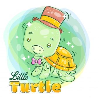 Nette kleine schildkröte tragen einen hut und ein band mit lächelndem gesicht bunte karikatur-illustration.