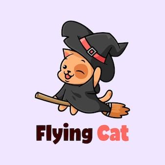 Nette kleine schwarze katze, die hexenhut hat und mit broom cartoon illustration fliegt