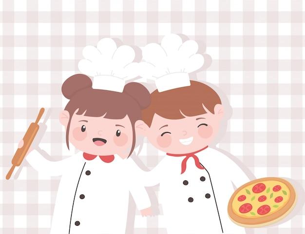 Nette mädchen- und jungenkochkarikaturfigur mit nudelholz und pizza