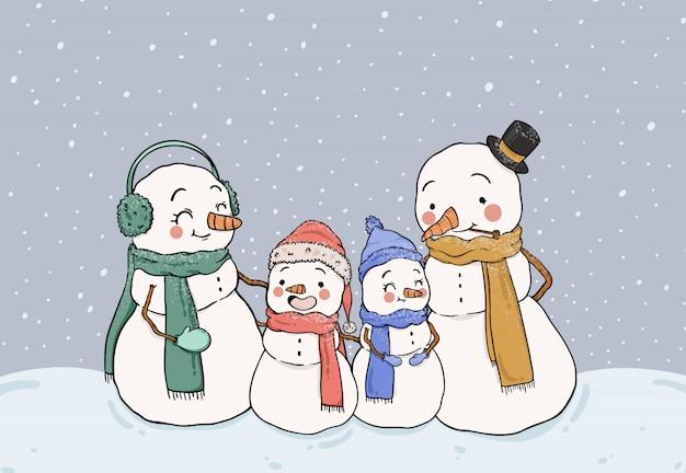 Nette schneemannfamilie, die im schnee bleibt