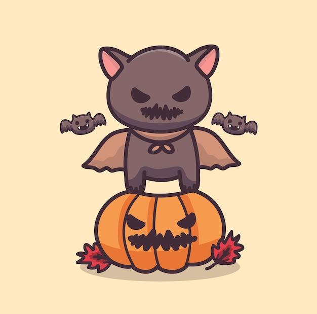 Nette schwarze katze mit vampirkostüm, das auf halloween-kürbis sitzt. cartoon-vektor-illustration