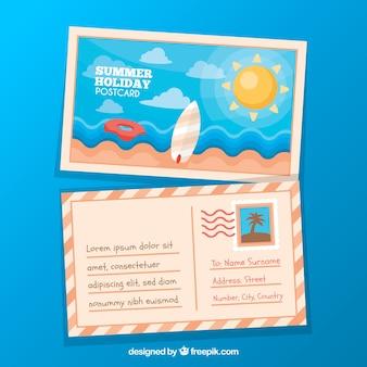 Nette sommerstrandpostkarte im flachen design Kostenlosen Vektoren