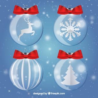 Nette weihnachtskugeln mit roten schleifen