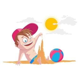 Netter junge, der mit sand auf strand spielt