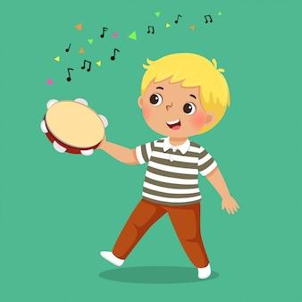 Netter junge, der tamburin spielt