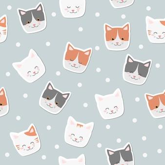 Netter karikaturkatzenlächeln stellt aufkleber auf poka punkthintergrund-nahtlosem muster gegenüber