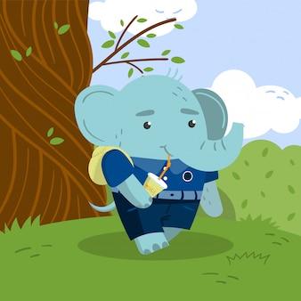 Netter kleiner elefantenschüler in der schuluniform, die unter dem baum auf dem rasen steht und soda illustration trinkt