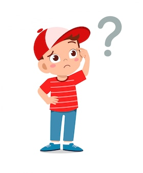 Netter kleiner junge denken mit fragezeichen